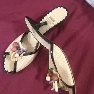 Low heeled sandels